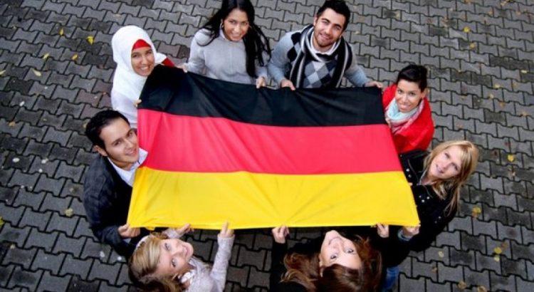 للشباب ما فوق 18 سنة .. ألمانيا تفتح باب الهجرة عن طريق الانترنيت والحصول على وظيفة في العمل الإجتماعي