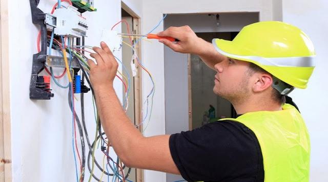 توظيف 68 تقني متخصص في الإلكتروميكانيك و تقني في الكهرباء الصناعية … بأجر ابتداء من 8000 درهم