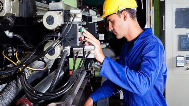 مطلوب 35 عامل صيانة في الكهرباء والميكانيك ومراقبة الجودة بشركات بطنجة وعين السبع والمحمدية